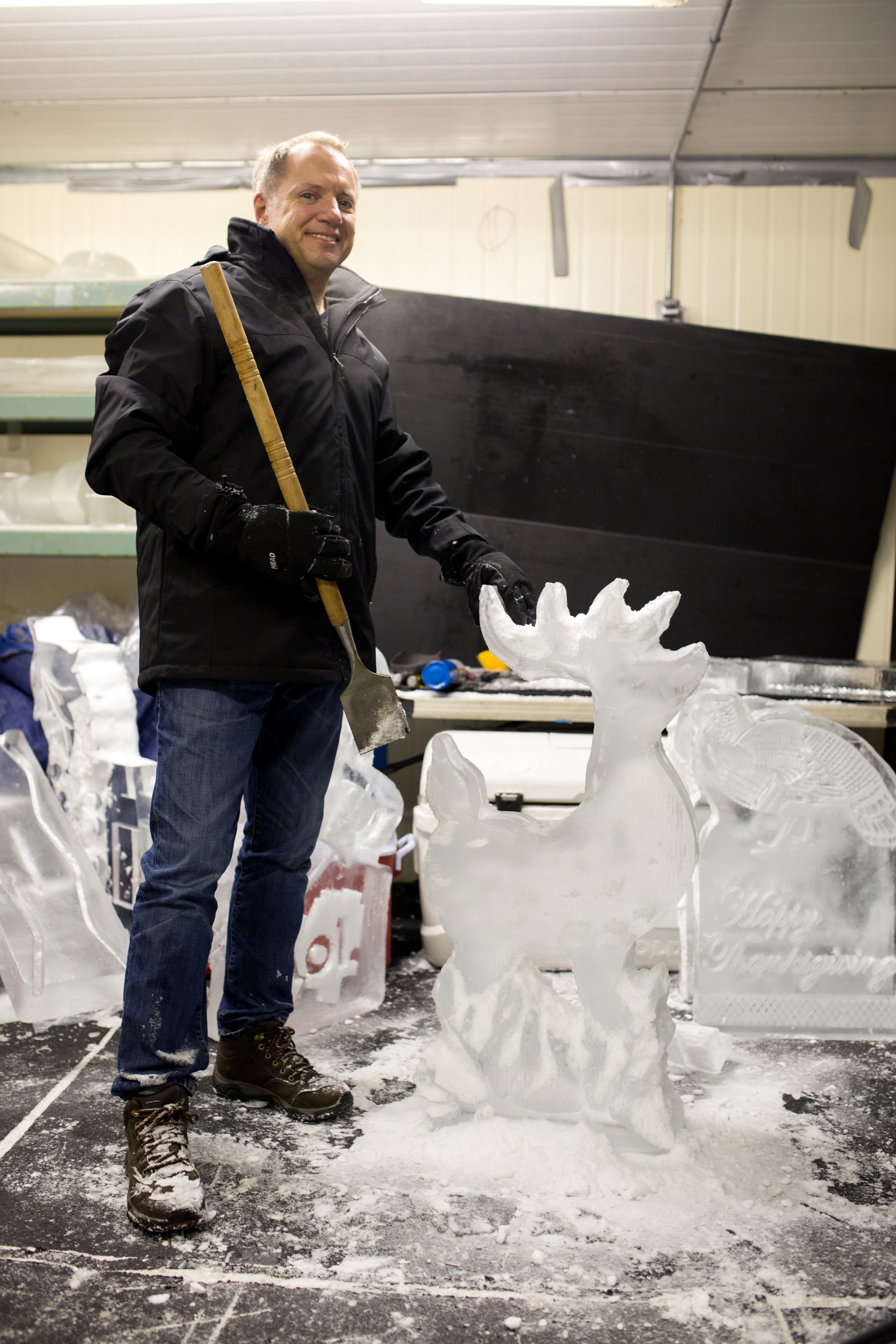 Clayton's Chisel-It Ice Sculptures Headed to Superbowl 50